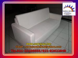 sewa sofa triple putih