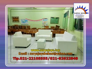sewa sofa double dan single putih
