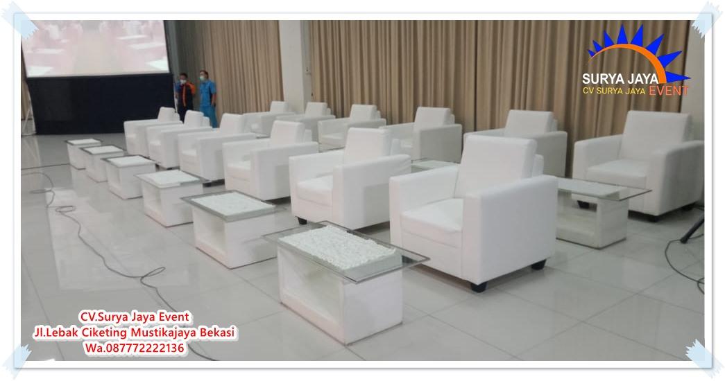 Sewa Sofa Single Putih Bersih Terawat Siap Antar