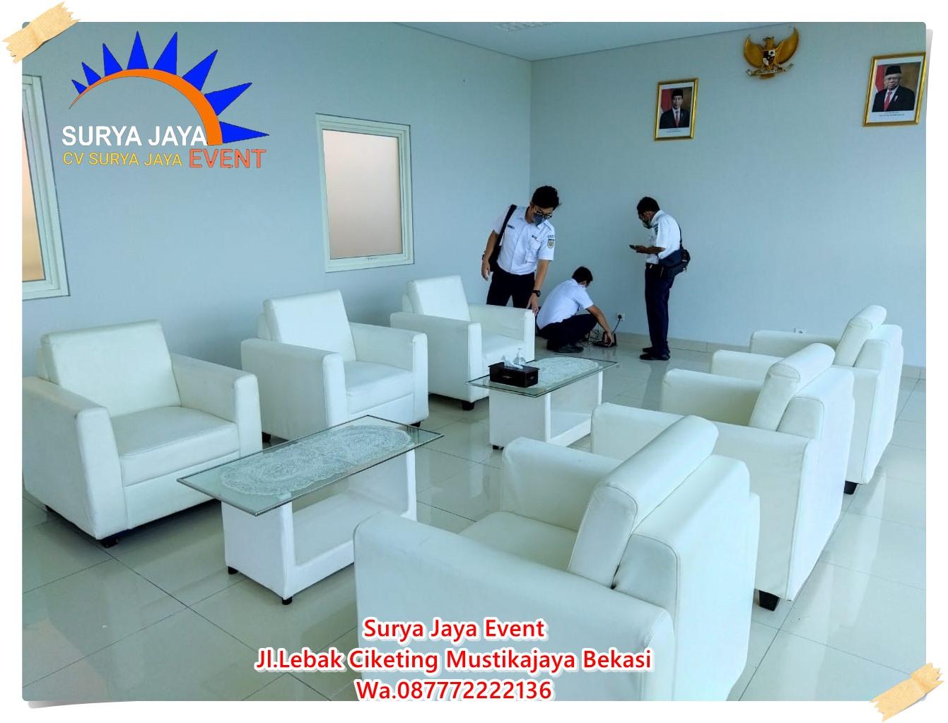 Sewa Sofa Single Putih Untuk Event